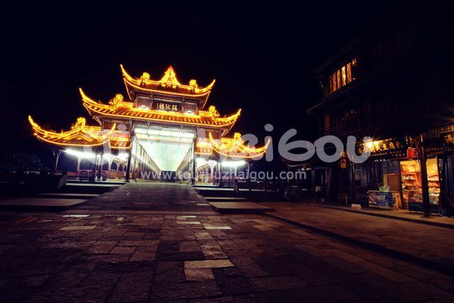 Jiezi Ancient Town beautiful night view