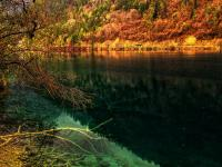 Sparkling Lake in Jiuzhaigou