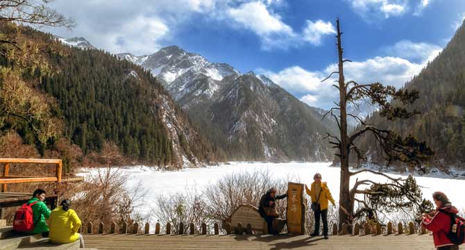 3-day Mounigou & Jiuzhaigou Winter Tour